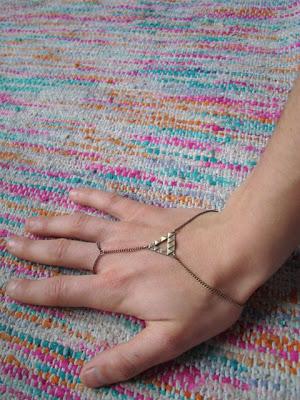 hand-chain.jpg