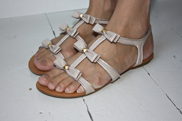 Ebay-sandals.jpg