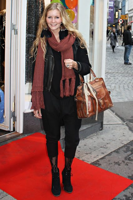 gina+tricot+scarf.jpg