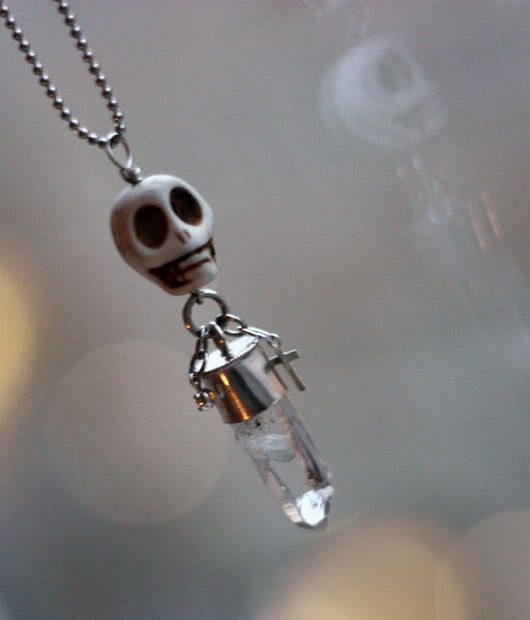 skullnecklace.jpg
