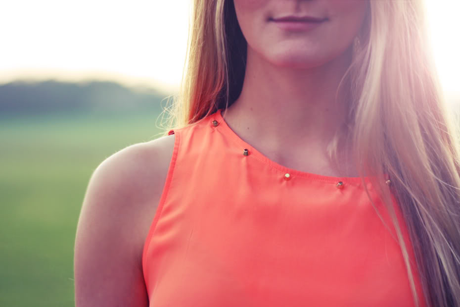 orangeneontopZara.jpg