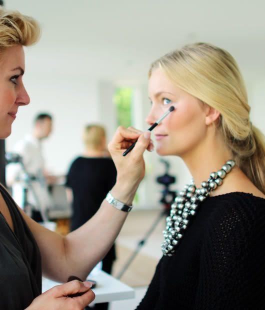 makeupartist-1.jpg