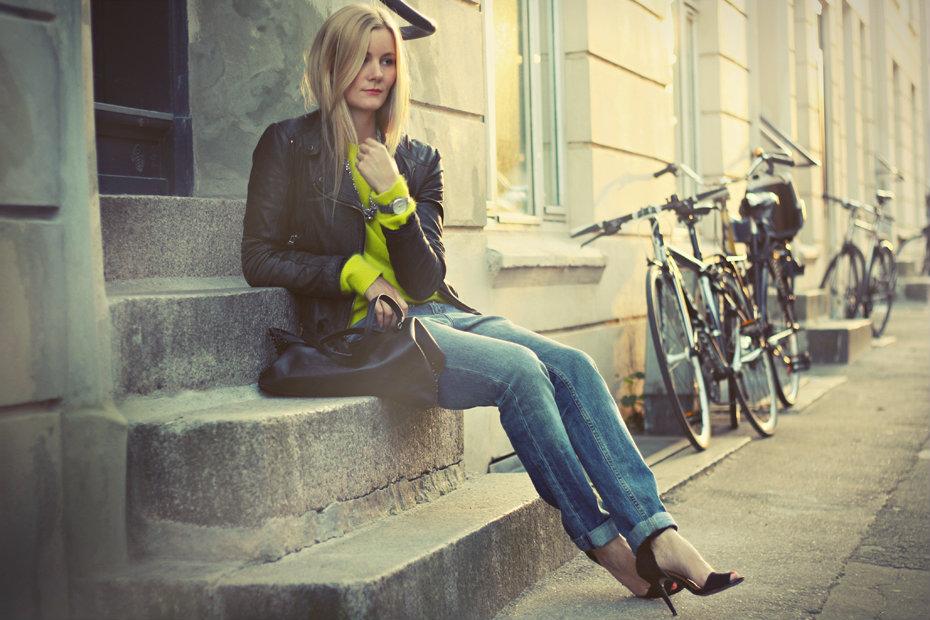 yellowsweater-1