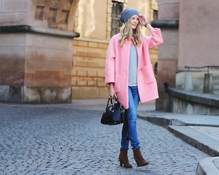 lyserød frakke