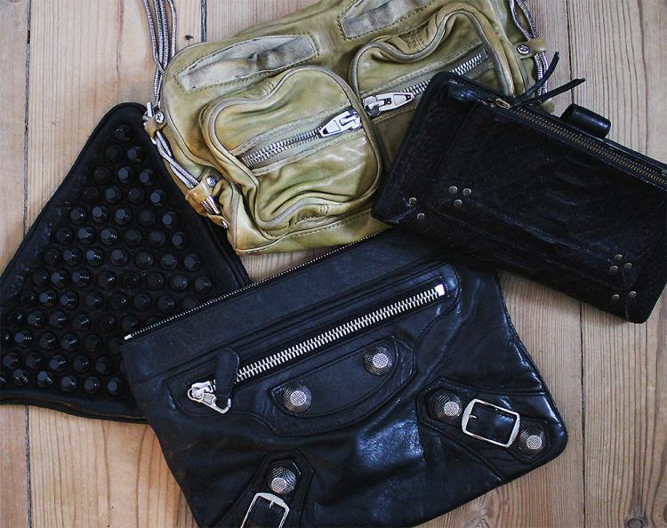 alexander wang balenciaga snake skin triangle bag cluth modeblog fashion blog bag taske skindtaske lædertaske kvalitet