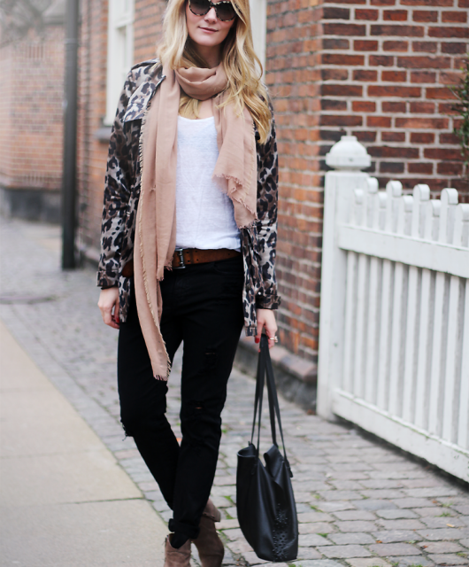 heartmade-leopard-jakke-coat-leo-modeblog-fashion-blog-ripped-jeans-denim-witchery-mode-tøj-styling-streetstyle2-1.png