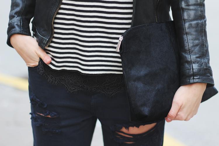 lace top blondetop stribed bluse, pony, boyfriend jeans, modeblog, fashionista street style details