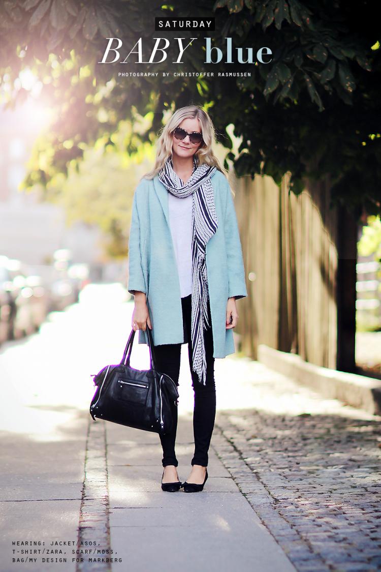 lyseblå frakke
