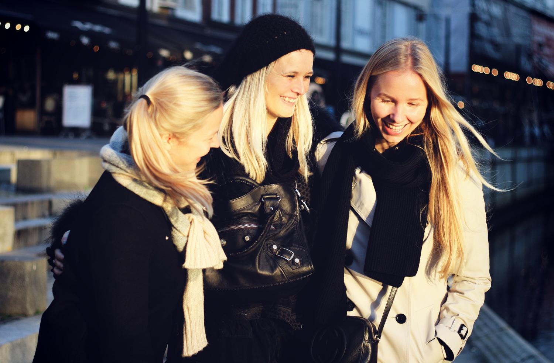 blondegirls@2x