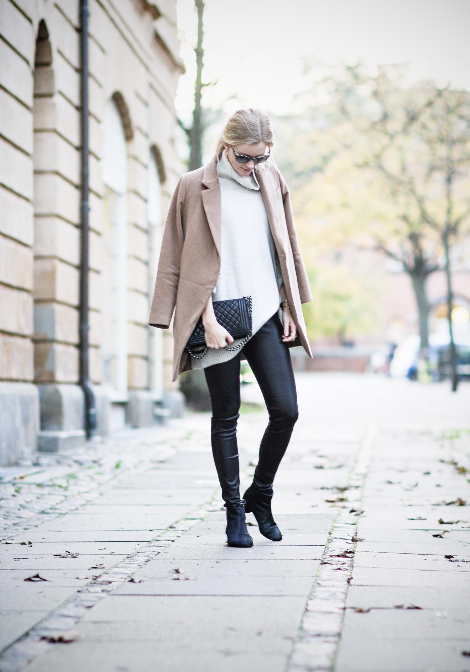 camel coat@2x