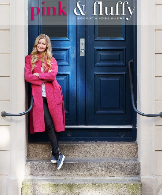 ganni-lyserød-frakke@2x1.jpg