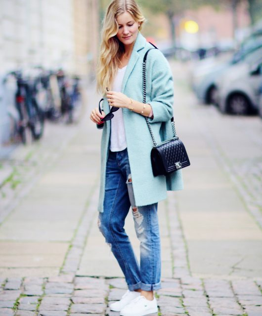 lyseblå-frakke@2x2.jpg