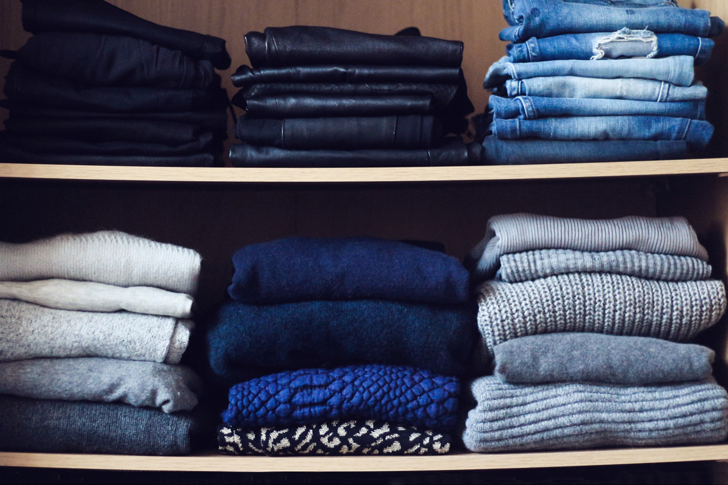 How to organize your wardrobe christina dueholm for Billige garderoben