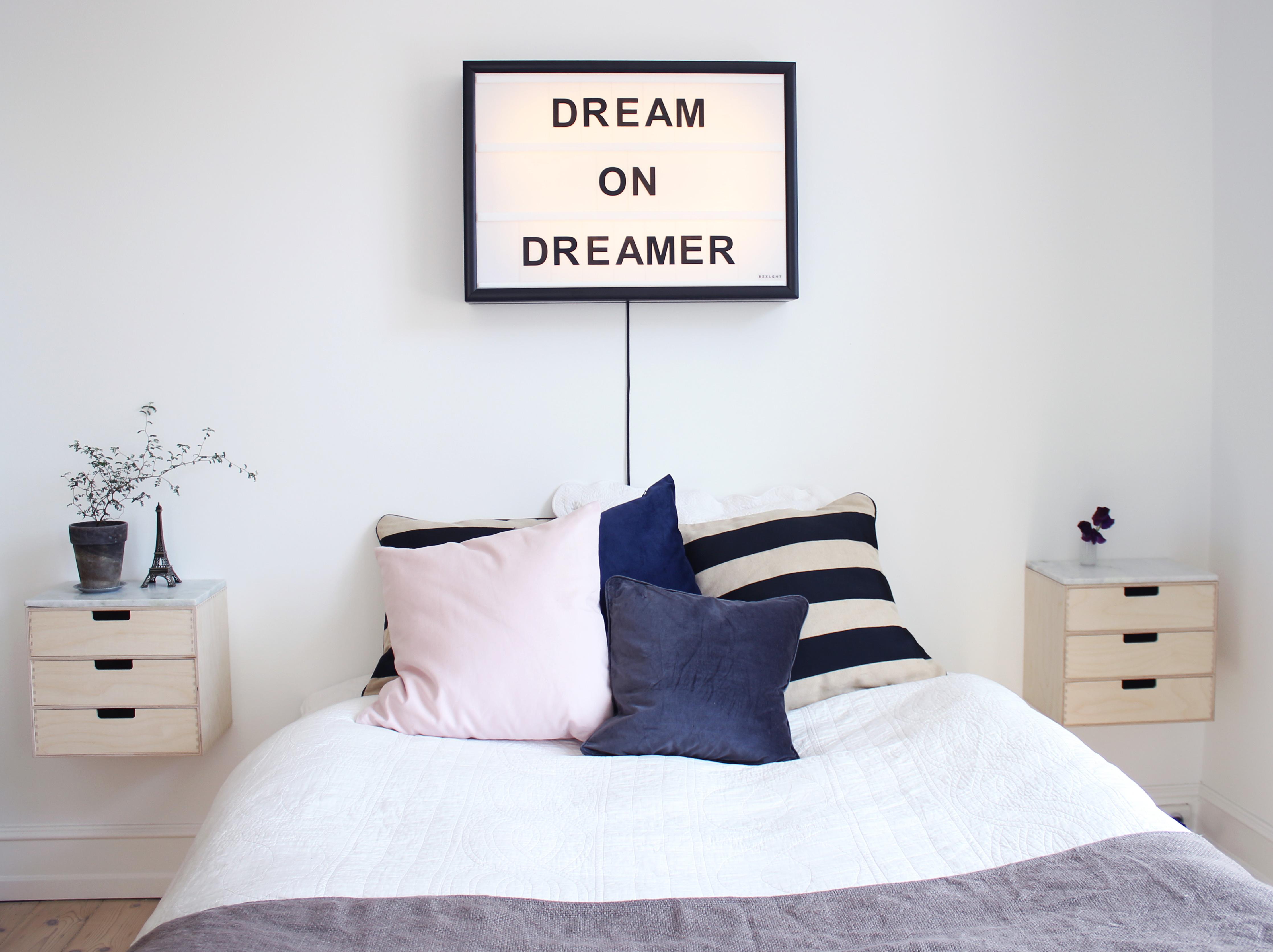 dream-on-dreamer-bxxlght@2x