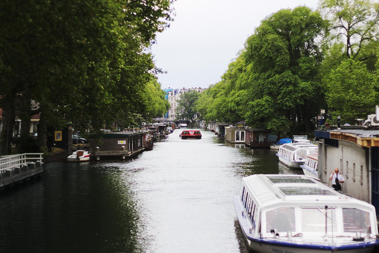 amsterdam-kanal@2x