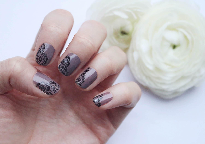 beautiful-lace-nail-design@2x