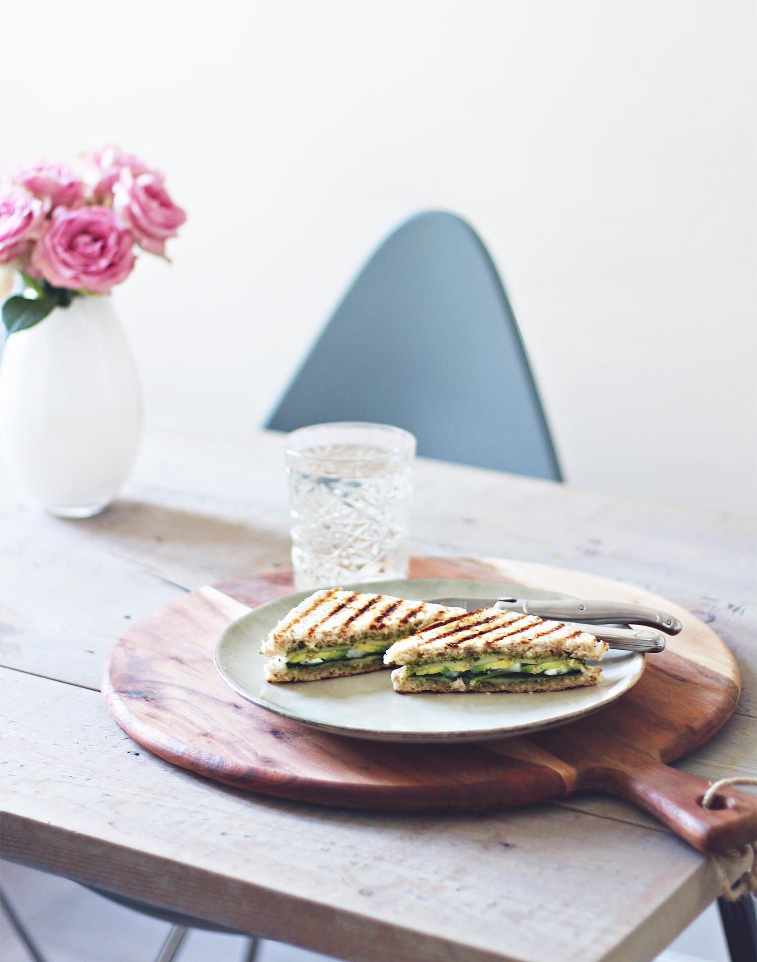 avocado-gedeost-sandwish@2x