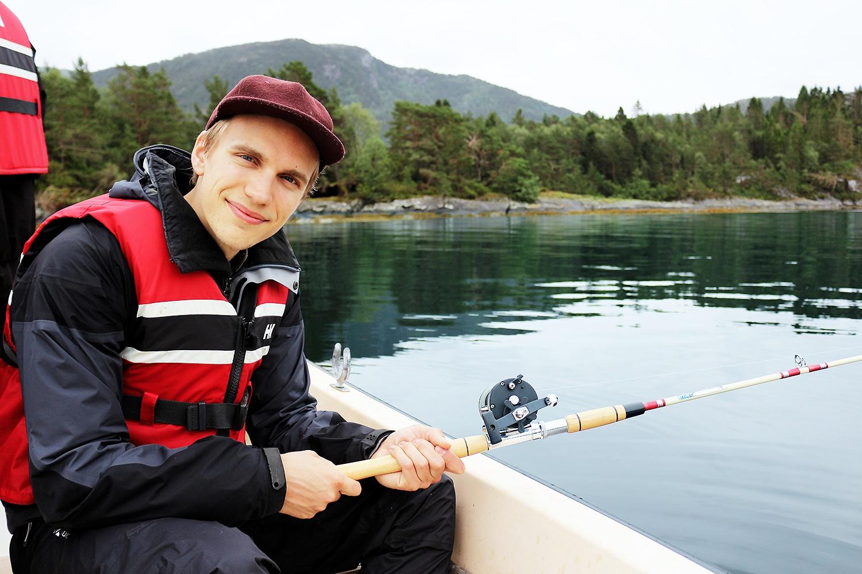 norge-smuk-sø-bergen@2x