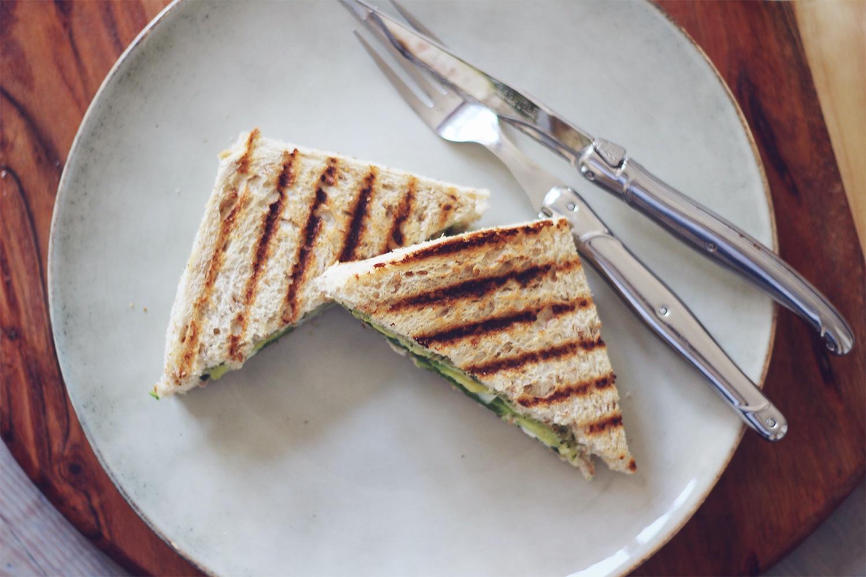 sandwich-avocado-gedeost@2x