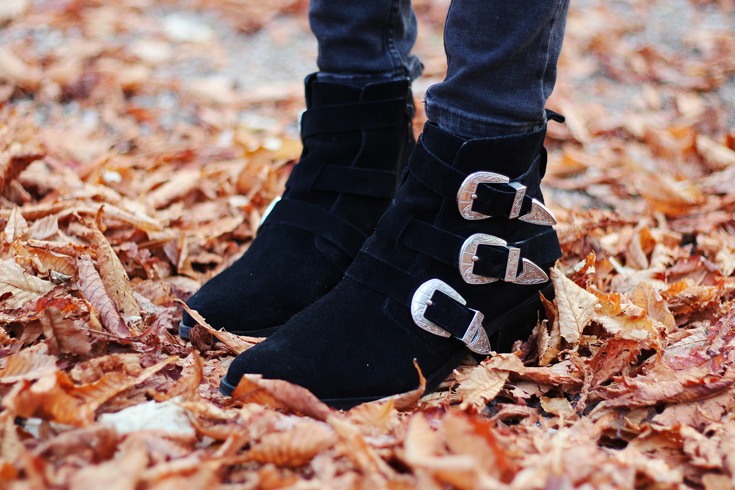 buckle-boots