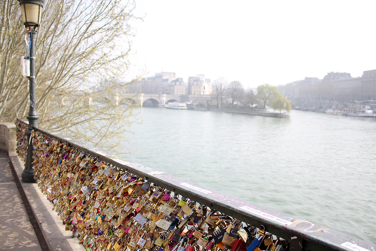 love-bridge-paris-@2x2