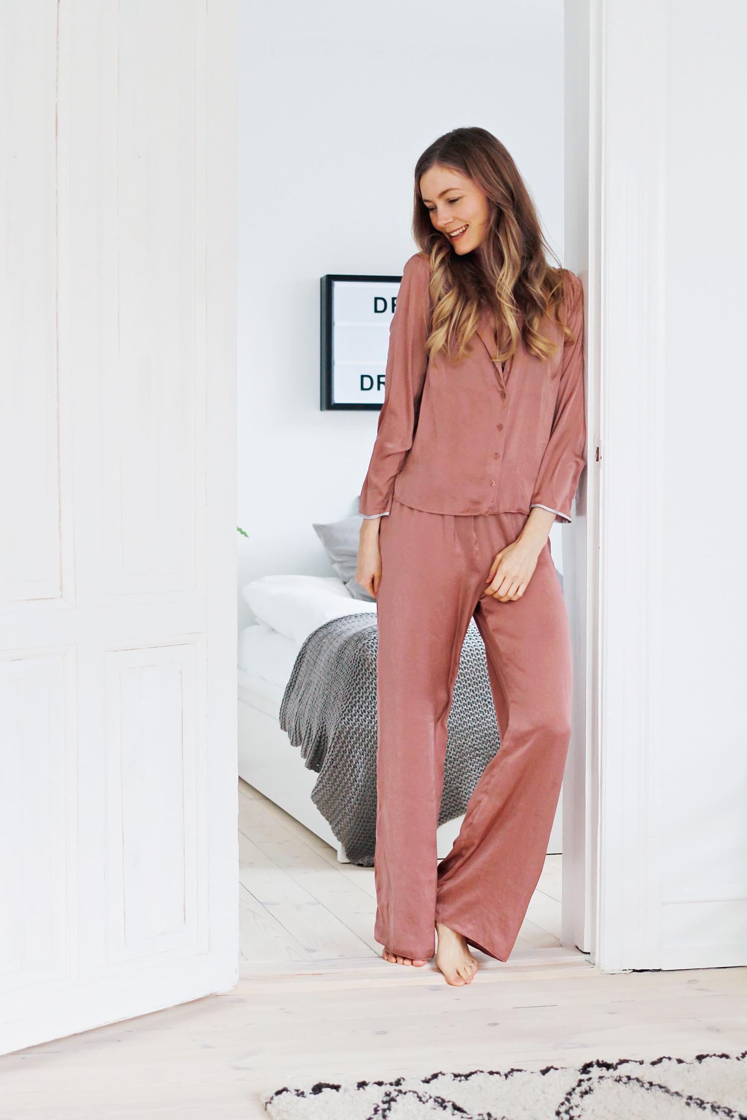 lyserød-pyjamas