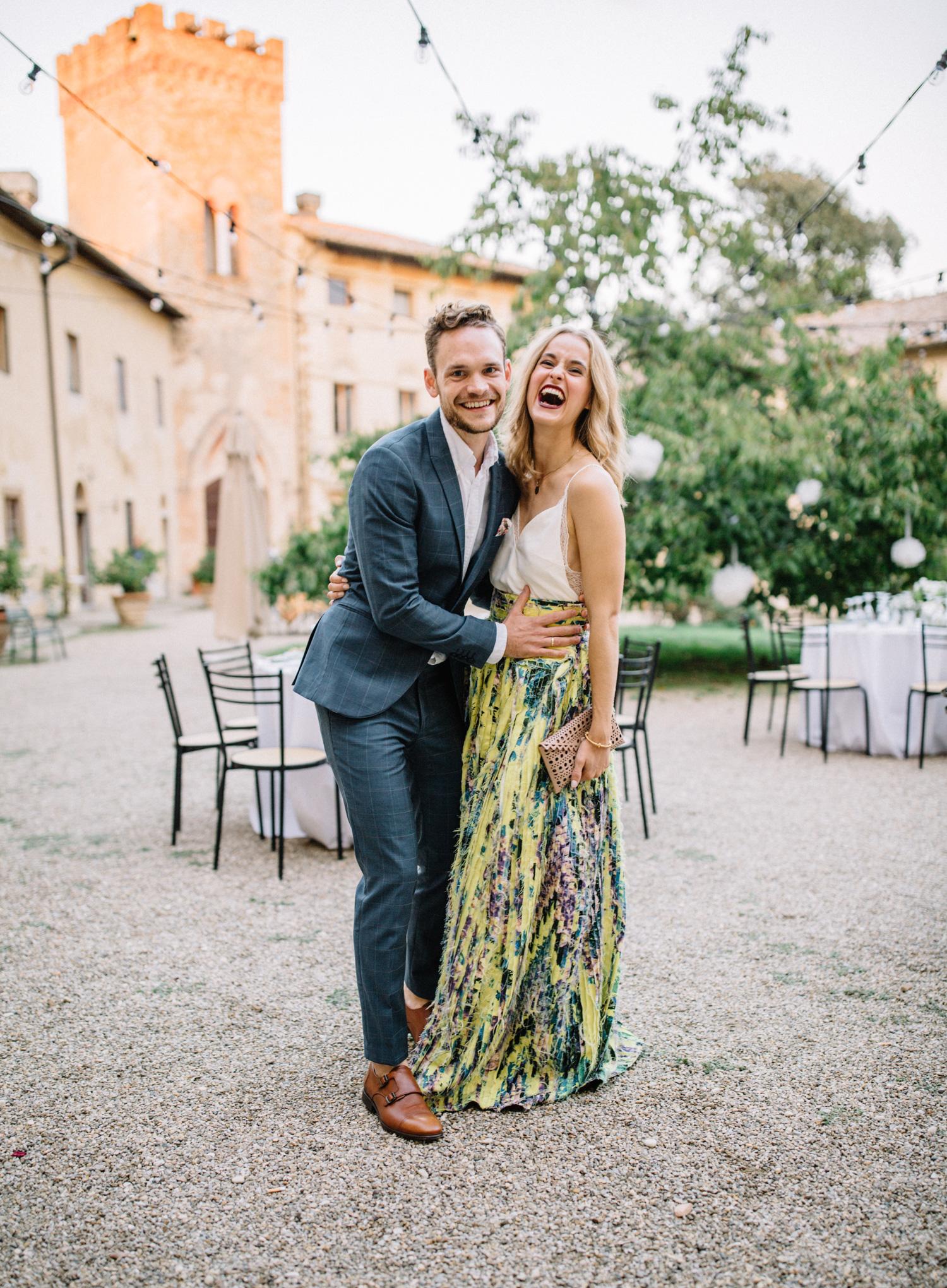 33704f7e bryllups-borde wedding-guest-dresses folie-ballon wedding-guests