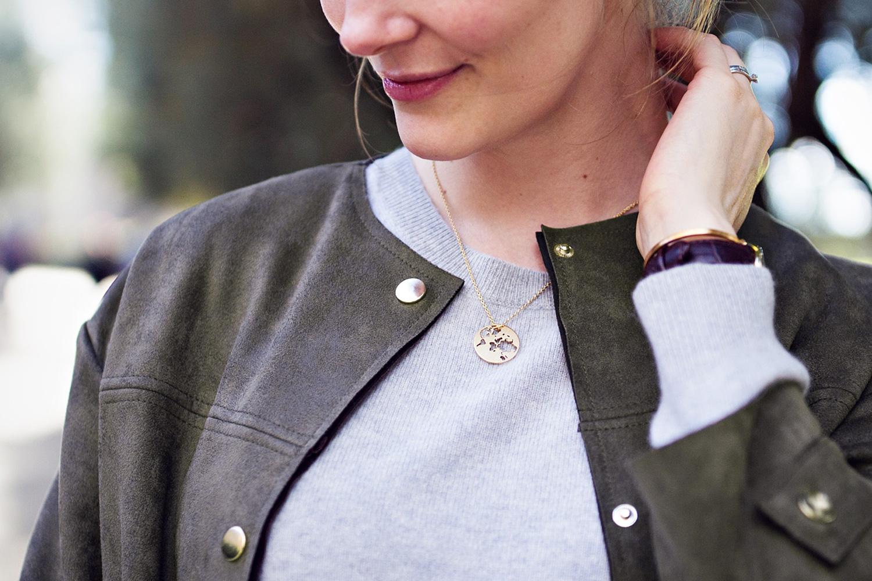 beautiful-world-necklace