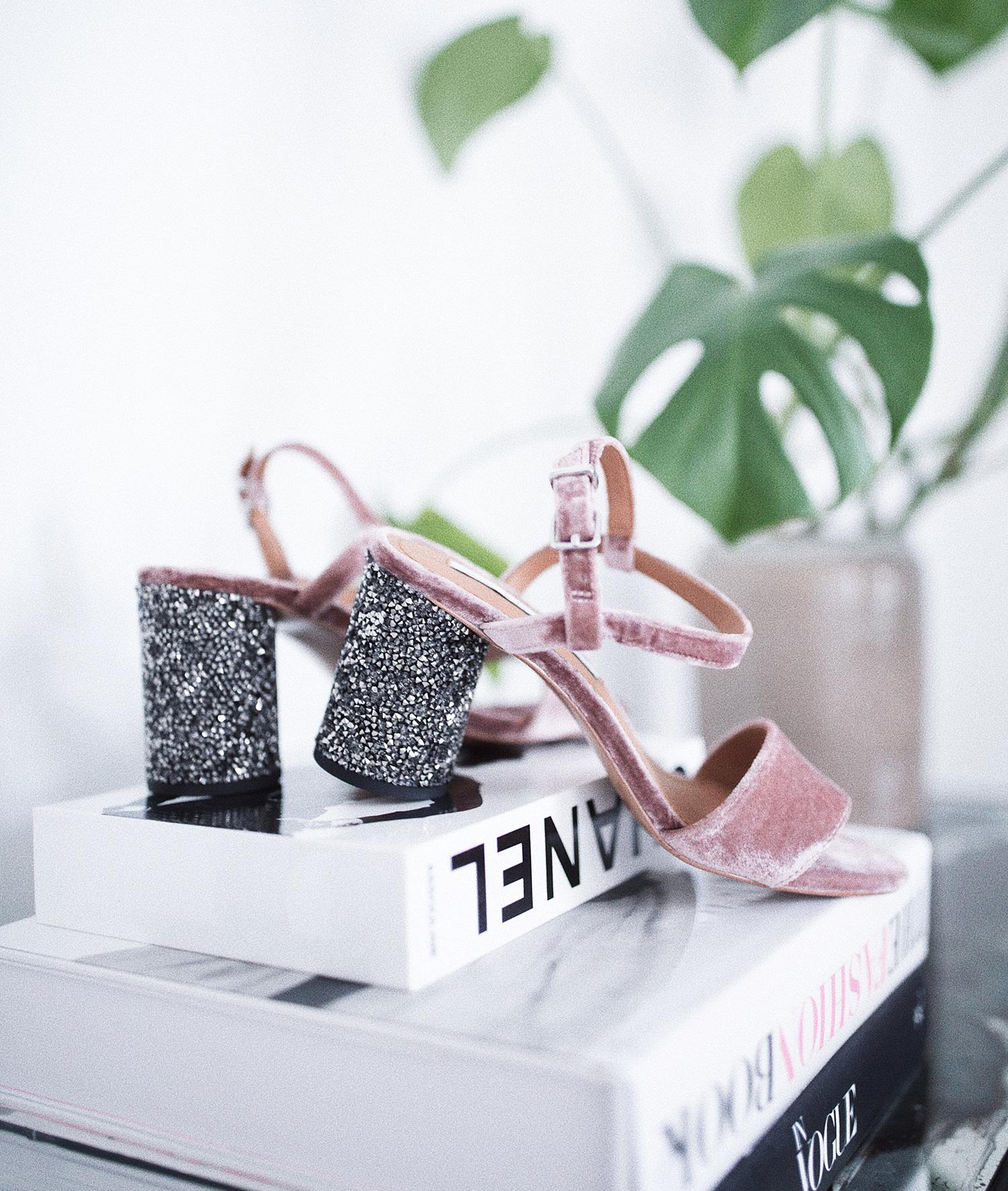 pink-velour-sko