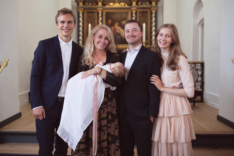 tøj til dåb