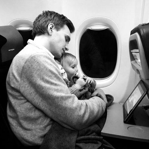 flyvning-med-smaa-boern