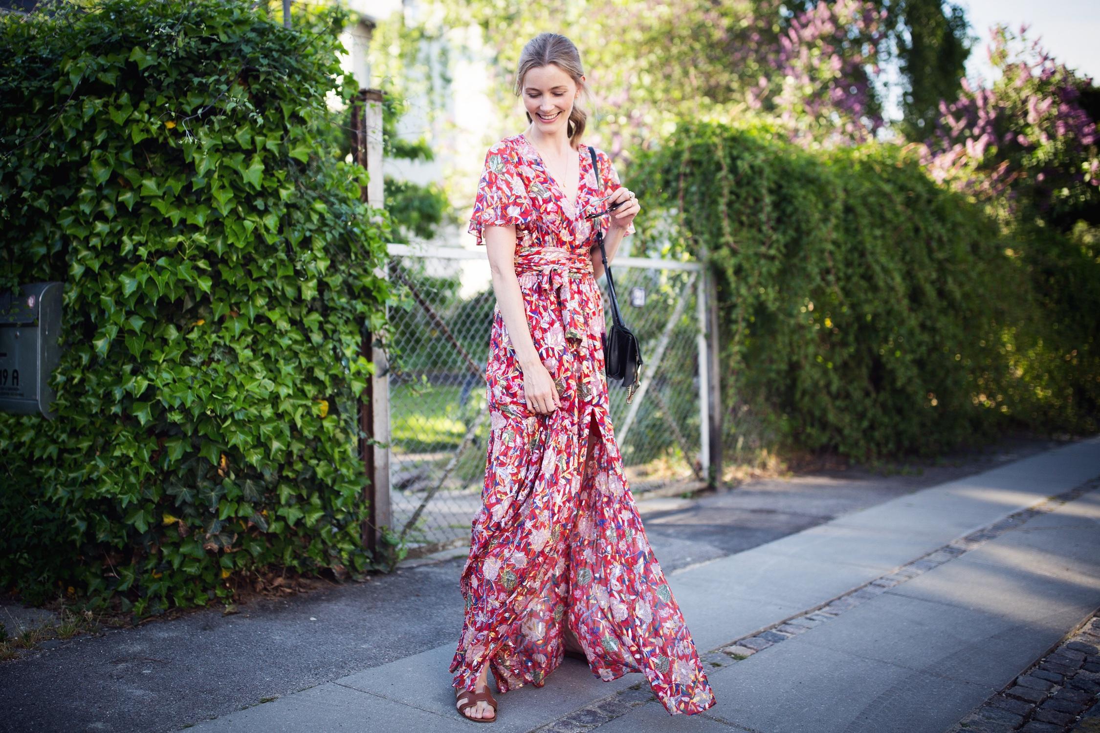 roed-kjole