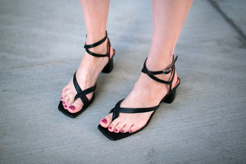 sorte-sandaler